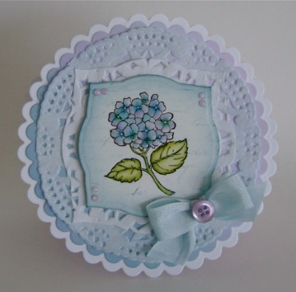 round scallop card in blue and lavender with hydrangeas