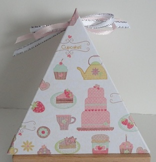 triangle treat box