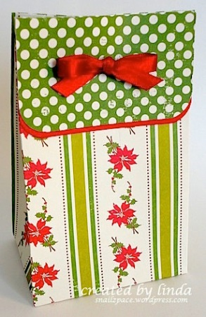 copyright linda @ snailzpace.wordpress.com. christmas treat bag